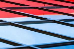 architectonische lijnen van een industrieel gebouw foto