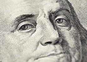 Benjamin Franklin's gezicht op het Amerikaanse 100 dollarbiljet foto