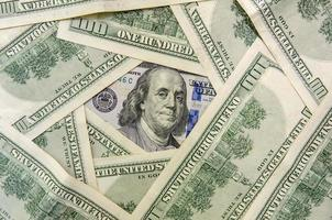 nieuw en oud ontwerp honderd dollarbiljetten foto