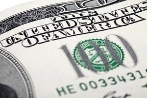 honderd dollar contant geld close-up foto