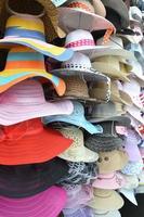 stapel hoeden foto