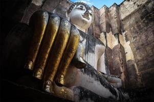 Boeddhabeeld in wat sri chum tempel foto
