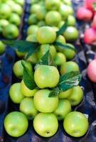 groene appel in de markt