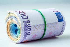 duizenden eurobankbiljetten gerold. foto