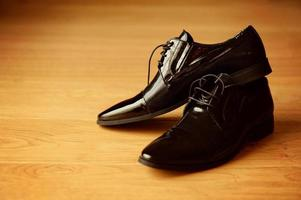 bruidegom zwarte elegante schoenen foto