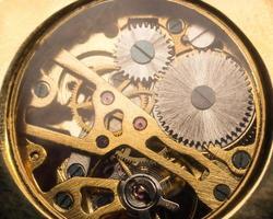onderdeel van gouden mechanisme foto