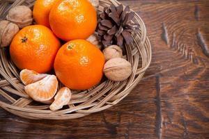 mandarijnen op houten tafel