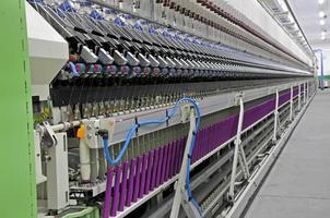 in een roterend productiebedrijf voor machines en apparatuur foto