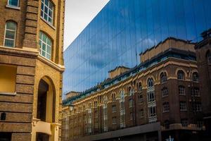 de contrastrijke reflectie foto