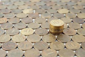 de achtergrond van de tien roebels Russische munten foto