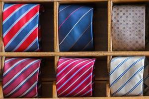 Italiaans gemaakt in Italië zijden stropdas tentoongesteld foto