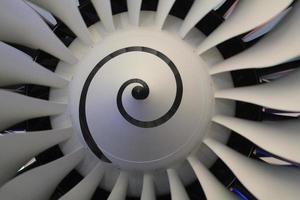 turbinebladen van vliegtuigmotoren foto