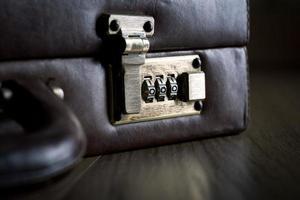 veiligheidsaktentas met slot foto