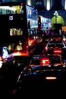 nachtverkeer in Londen foto