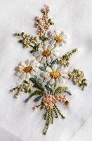 decoratief borduurwerk van een boeket bloemen