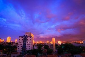 sorocaba, 19:30 uur, 13 februari 2014 foto