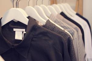 vrouwen kledingwinkel foto