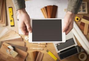 huis renovatie app op digitale tablet foto