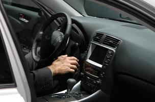 executive in een auto