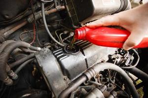 motorolie, motor van een auto close-up foto