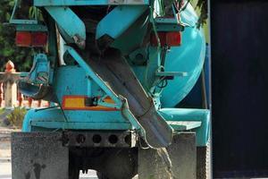 cement mixer kofferbak foto