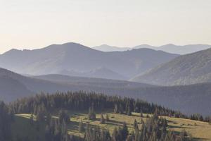 mooi bereik van bergen, buitenshuis foto