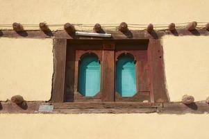 venster van een traditioneel Ethiopisch huis, Adwa, Ethiopië foto