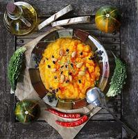 pompoenpuree met gedroogd vlees foto