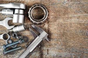 gereedschappen en schuifmaat, selectieve aandacht foto