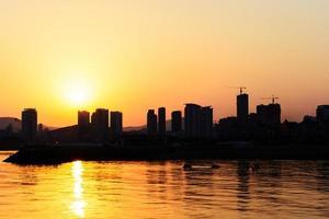 silhouet van de stad foto