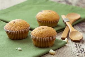 muffin op tafel foto