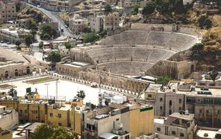 oude Romeinse amfitheater in Amman, Jordanië foto