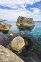 stenen in het water foto