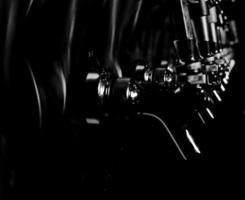 biertapjes zwart en wit foto