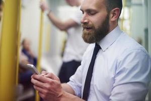 alleen in de metro heb ik wat tijd om te sms'en foto