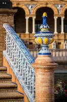 detail van een brug op plaza de espana, sevilla. Spanje. foto