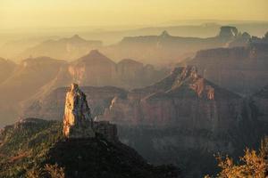 wijs keizerlijke noordrand zonsopgang bij Grand Canyon National Park foto