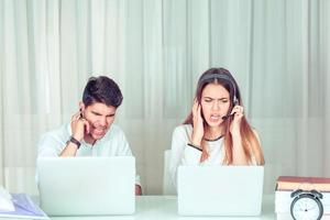 stressvolle collega's van klantenservice foto