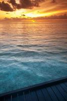 tropisch zeewater in de Maldiven foto