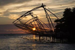 zonsondergang in Kochin Zuid-India foto