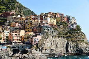 traditionele mediterrane architectuur van manarola, Italië foto