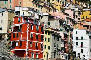 traditionele mediterrane architectuur van riomaggiore, Italië foto