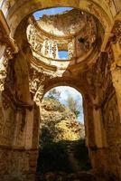 ruïnes van het convento de monjes servitas, teruel, aragon, spanje