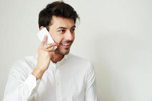 gesprek op telefoon foto