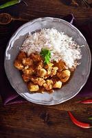 bovenaanzicht van Indiase kip curry