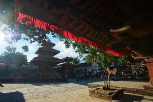 oude Durbar-plein met pagodes. grootste stad van nepal foto
