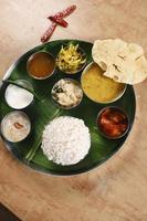 malabar thali - een selectie van verschillende gerechten foto