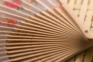 oosterse houten waaier foto