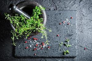 smakelijke specerijen in vijzel foto