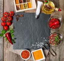 voedsel achtergrond met verschillende kruiden foto